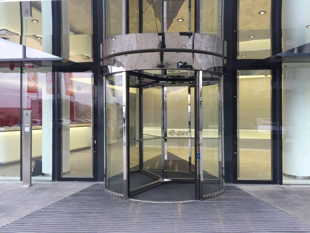 Usi rotative, usi automate, clădiri comerciale și de birouri